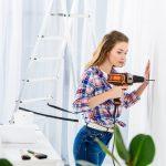 Boret ind i et kabel eller en ledning i væggen reparation →